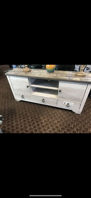 "Tv stand 67"" long for Sale in Las Vegas, NV"