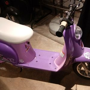 Scooters For Up to 11 Yr Olds for Sale in Aurora, IL