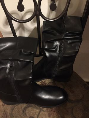 Girl fashin boots sz 5 for Sale in PA, US