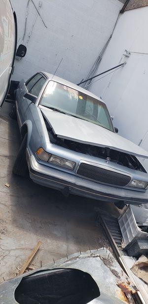 Se vende partes... mazda Mx3 Volvo wagon parts for sale or complete 98 grand marquis. for Sale in Las Vegas, NV