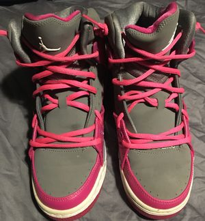 Girl's Pink & Gray Air Jordan's Size 7Y! for Sale in Entiat, WA