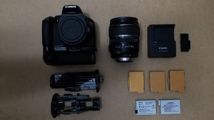 Canon T2i Bundle with lens , batteries and bags for Sale in Poway, CA