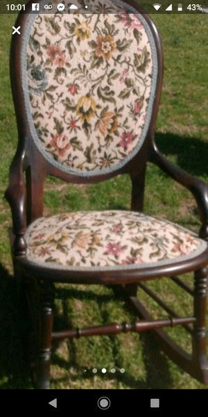 Antique children rocker $60 very nice very sturdy for Sale in Birmingham, AL