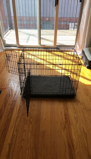 """You & Me Medium 2 door 30"""" dog crate w/cover for Sale in Chicago, IL"""