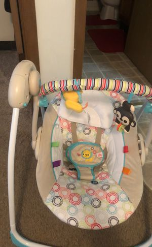 NWOT BABY SWING for Sale in St. Louis, MO