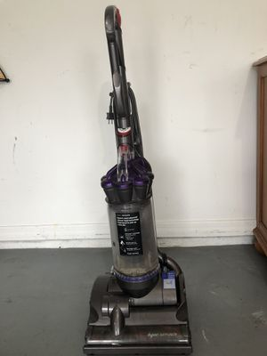 Dyson DC28 Animal - Gray/Purple - Upright Cleaner for Sale in Port St. Lucie, FL