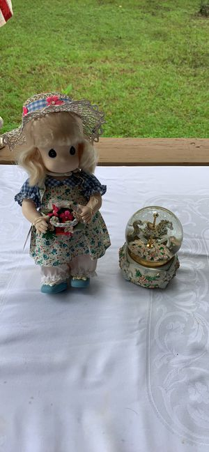 """""""Blossom """" Precious Moments Doll & Musical White Pony Snow Globe for Sale in Lakeland, FL"""
