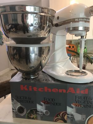 KitchenAid Mixer with Attachment Pack for Sale in Stuart, FL