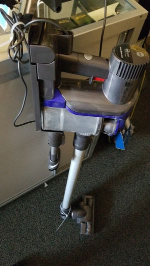 Dyson cordless vacuum for Sale in North Las Vegas, NV