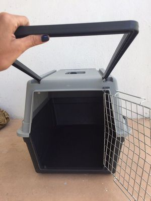 Dog Kennel/Airplane Transporter for Sale in Miami, FL