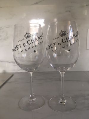 Set Moët champagne glass for Sale in Miami, FL