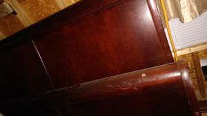 King size head n foot sleigh bed frame for Sale in Millington, TN