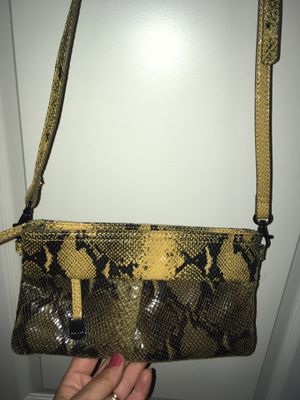 Free purses check it out for Sale in Fort Mill, SC