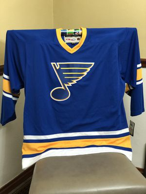 BLUES JERSEY- Team Classic HOCKEY -By Reebok -Jersey XL for Sale in St. Louis, MO