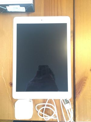 iPad Air 32gbs for Sale in Farmville, VA