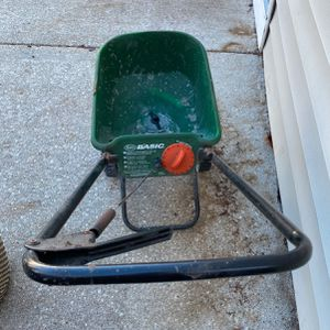 Seed Or Salt Spreader for Sale in Lombard, IL