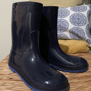 Kids rain boots (size 2-3) for Sale in Oviedo, FL