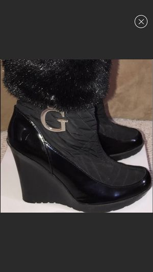 Guess winter wedge black fur boots 8.5 for Sale in Alexandria, KY