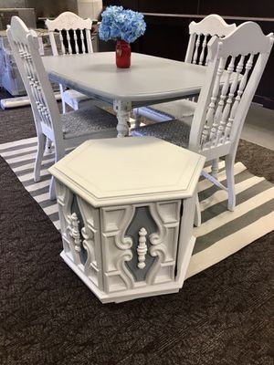 Newly Refinished Farmhouse Dining Table and Chair Set (DELIVERY AVAILABLE) for Sale in Fairfax, VA