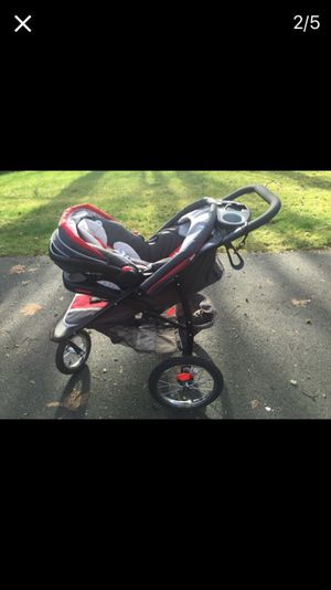 Graco Jogging Stroller and car seat for Sale in Tukwila, WA