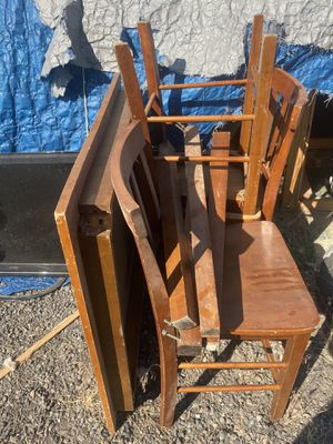 3'x3' Table / 3) chairs for Sale in Redmond, OR