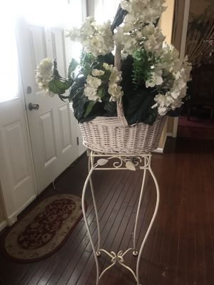 Table and flower for Sale in Manassas, VA