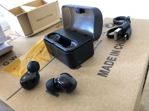 Wireless earbuds with magnetic charging case (brand new) for Sale in Elk Grove Village, IL