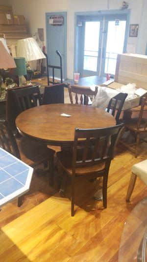 Dining table with 4 chairs for Sale in Allentown, PA