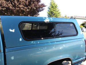 Super clean camper shell short box $125 for Sale in Puyallup, WA