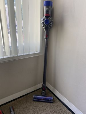 Dyson V7 Animal Cordless Vacuum for Sale in Los Angeles, CA