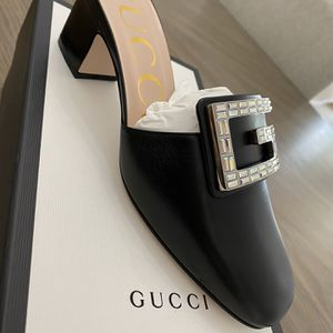 Womans Gucci Shoes Size 7 for Sale in Hollywood, FL