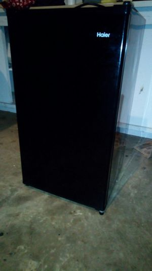 Haier Refrigerator 🍉🍗 for Sale in Charlotte, NC