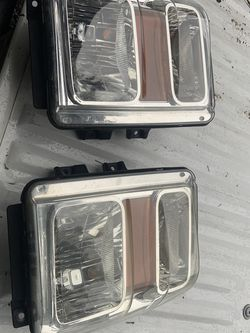 Ford Superduty Headlights for Sale in Kirkland,  WA
