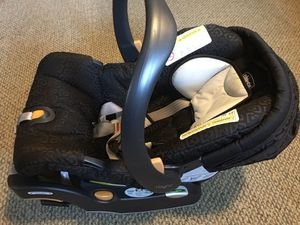 chicco keyfit 30 base + Car seat, expire 2023 for Sale in STUYVSNT PLZ, NY