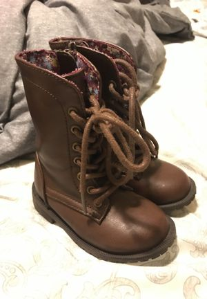 Baby girl boots for Sale in Ventura, CA