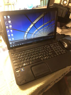 TOSHIBA SATELLITE C855D BLACK LAPTOP 15.3 INCH SCREEN AND 8GB RAM WEBCAM WIFI for Sale in Los Angeles, CA