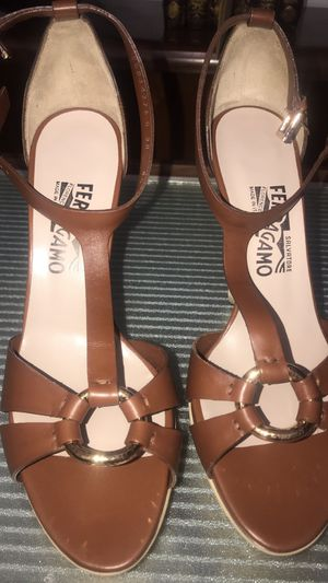 Used, Salvatore Ferragamo LEATHER T BAR PLATFORM shoes Size 8.5 b for Sale for sale  Yonkers, NY