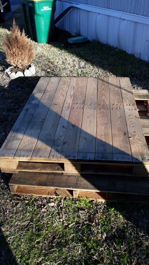 Free Big Pallets for Sale in Hickory Creek, TX