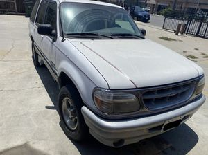 1996 Ford Explorer 4x4 for Sale in Lynwood, CA