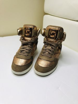 Shoes Michael kors size 7 for Sale in Tampa, FL