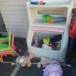 Little Tikes Toy Chest for Sale in Chandler, AZ