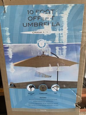 10' offset umbrella with base. for Sale in Glendale, AZ