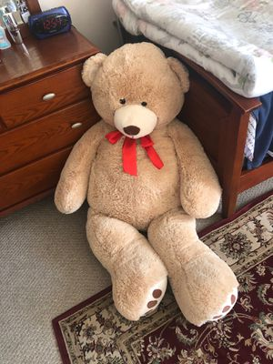 5 foot tall giant teddy bear for Sale in Everett, MA