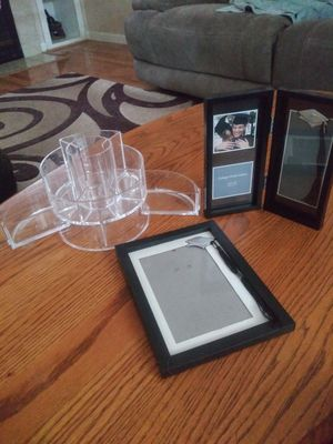 Make up organizer & pic frames for Sale in Elk Grove, CA