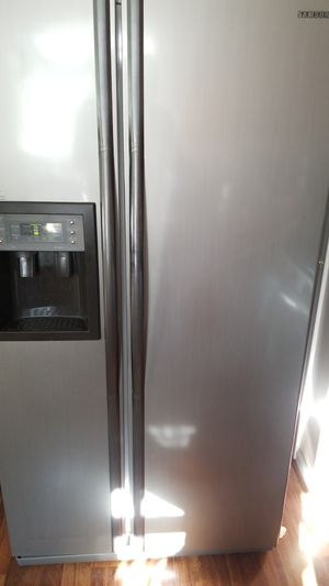 Samsung Refrigerator for Sale in Charlotte, NC