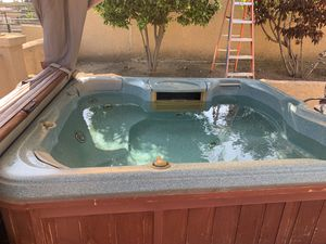 Sundance Capri 880 Series Spa Hot tub for Sale in Rancho Cucamonga, CA