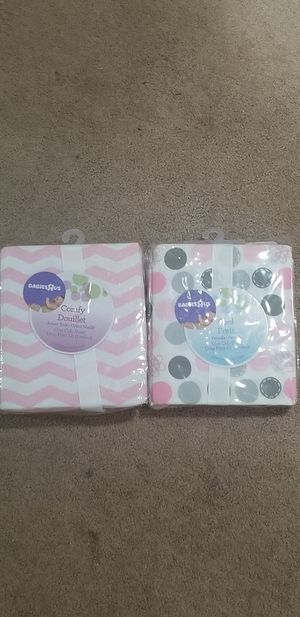 Crib sheets from Babies R Us for Sale in O'Fallon, MO