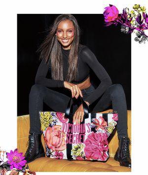 Victoria Secret Tote Bag for Sale in Chicago, IL