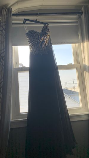Black and gold prom dress for Sale in Buffalo, NY