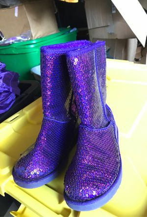 Girls Circo Purple glitter boots size 3 for $20 Spring Branch area pick up only for Sale in Houston, TX